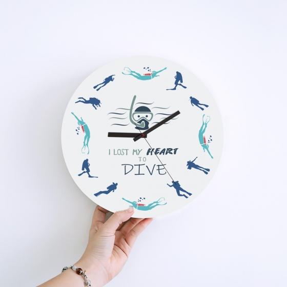 Wall Clock Gifts for Scuba Divers - Lost my heart to dive